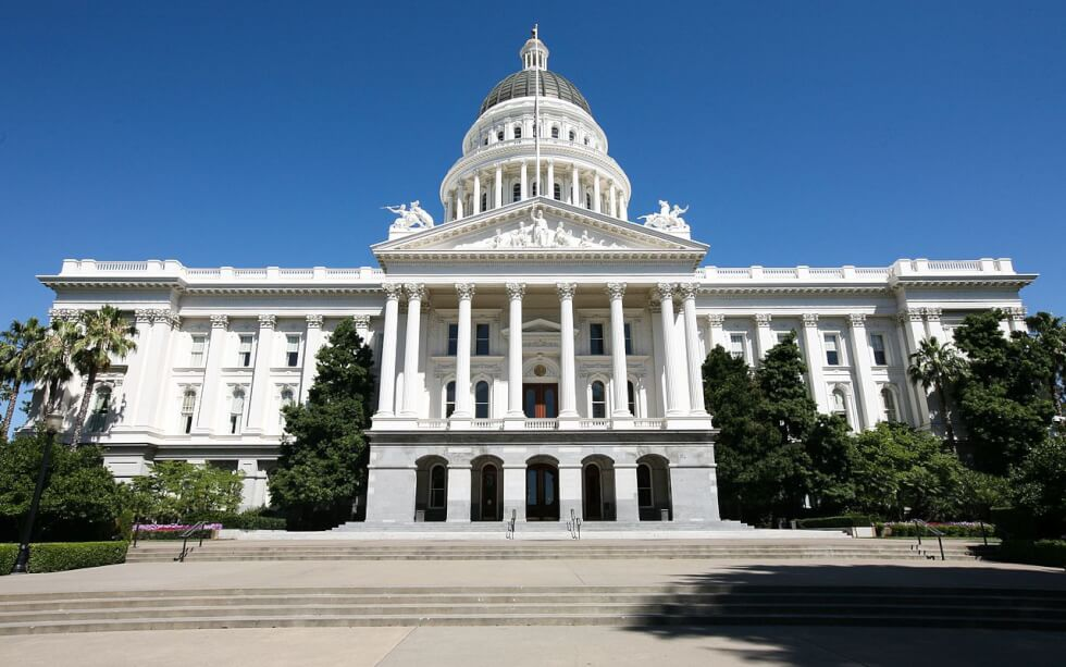 1280px-Californias_State_Capitol_Building_-_Sacremento_(7581237364) 2